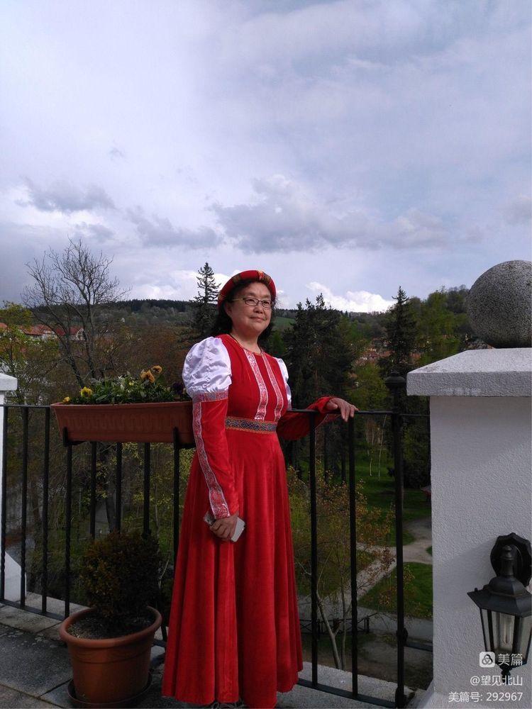 童话世界里的小镇克鲁姆洛夫 - 望见北山 - 望见北山的博客