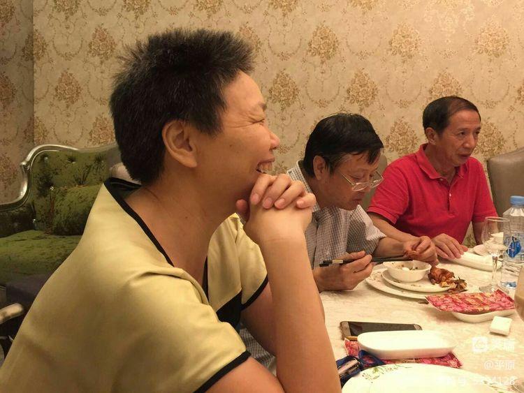 南昌校友会欢歌笑语迎江海会伟民话当年 - 天天 - 天天的博客